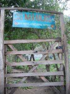 Los Naranjos gate