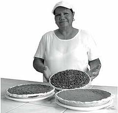 Yuana, Yelapa's pie Auntie(photo credit: Pan Bimbo)